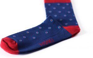Mėlynos taškuotos kojinės